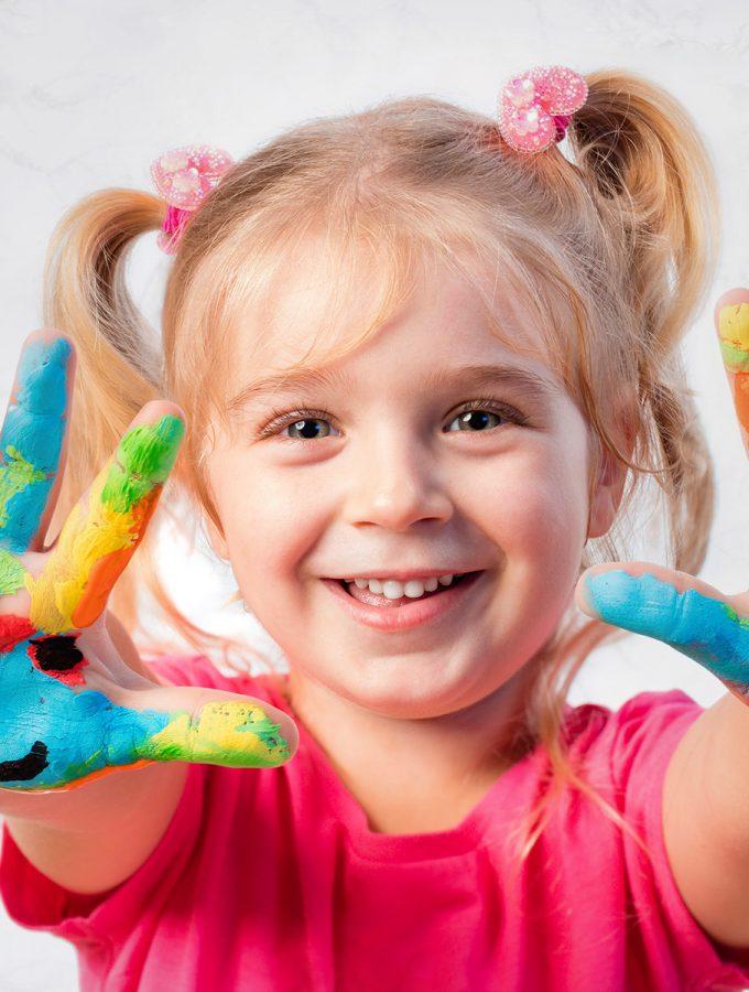 children-enjoying-handpainting-curriculum_x-1